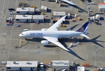 N20904 United Airlines Boeing 787 Dreamliner
