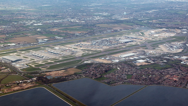 Video of London Heathrow 27R Landing
