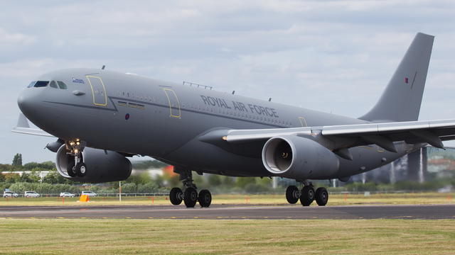 Video of Farnborough Airshow - Airshow Arrivals, Static Display & Support Aircraft