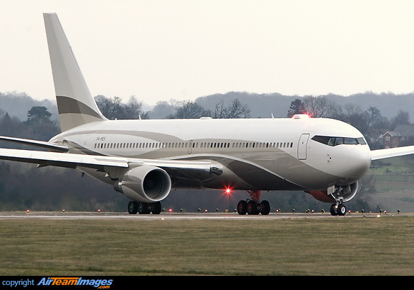 Boeing 767-33A/ER (P4-MES) Aircraft Pictures & Photos - AirTeamImages ...
