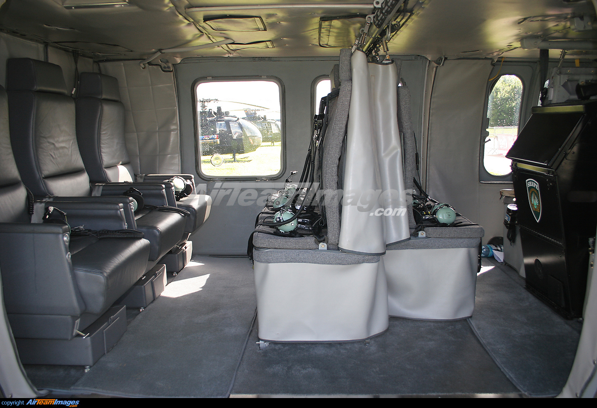 Sikorsky UH-60 Blackhawk - Large Preview - AirTeamImages.com