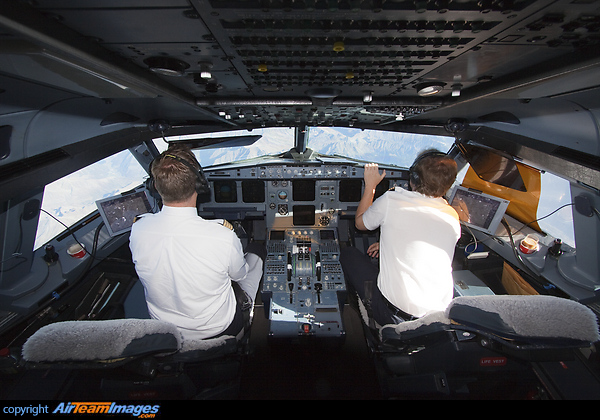 Airbus A320-211 (D-AIQH) Aircraft Pictures & Photos