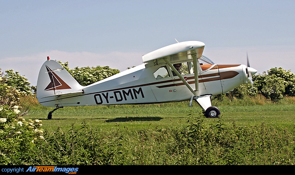 Piper PA-22-160 Tri-Pacer (OY-DMM) Aircraft Pictures