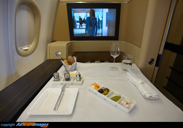 www airteamimages com airbus-a340 A6-EHJ etihad-airways 139076 htmlEtihad Business Class A340