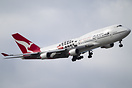 The Qantas Australian Grand Prix 744 rolls into the turn at Melbourne ...