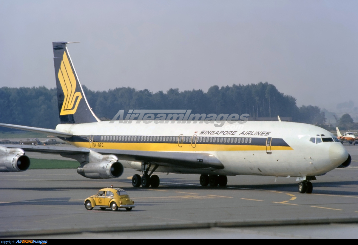 Boeing 707-327C - Large Preview - AirTeamImages.com