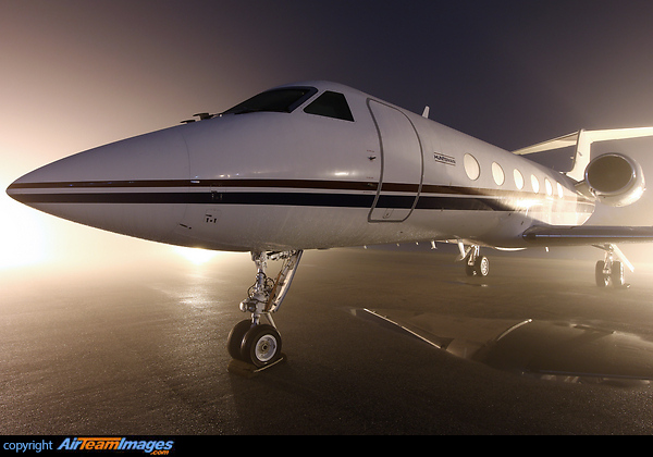 Gulfstream IV SP N621JH Aircraft Pictures Photos