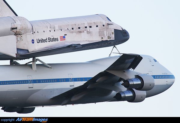 Boeing 747 & Space Shuttle