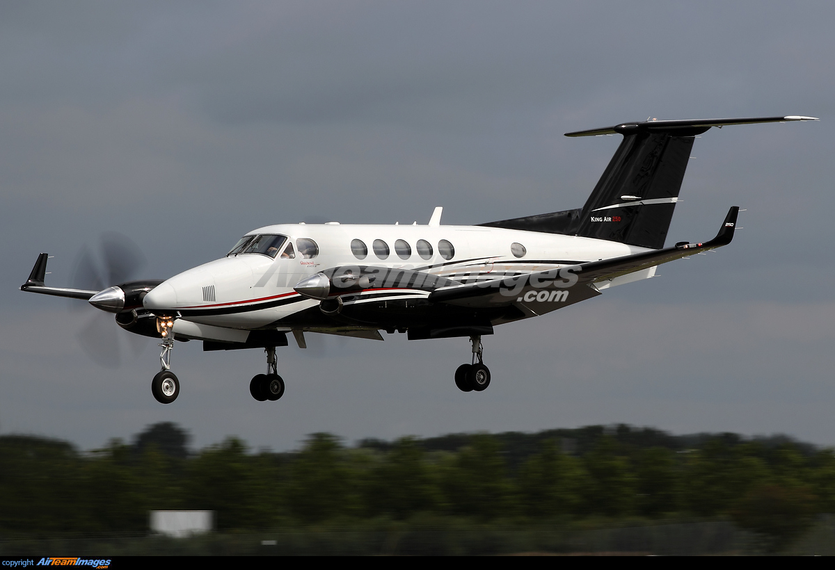 Beechcraft King Air 250 - Large Preview - AirTeamImages.com