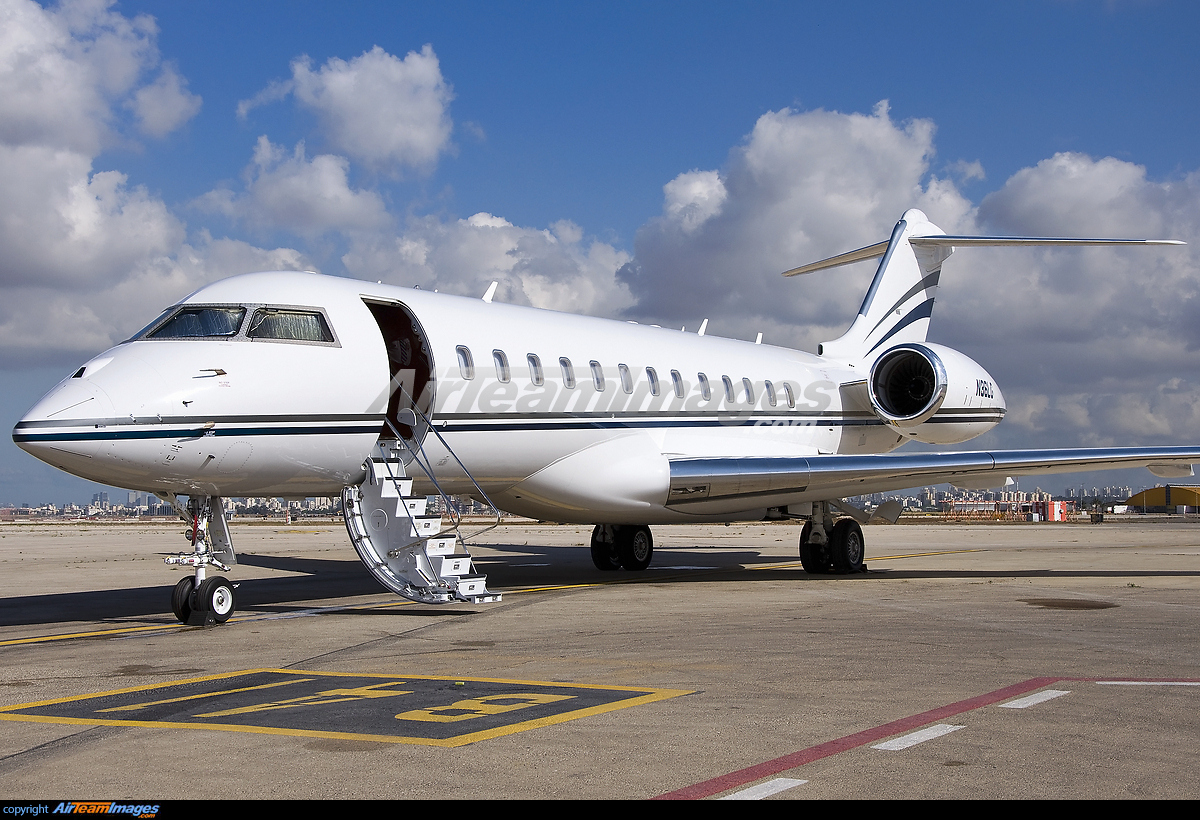 Bombardier Global Express XRS  Large Preview  AirTeamImages