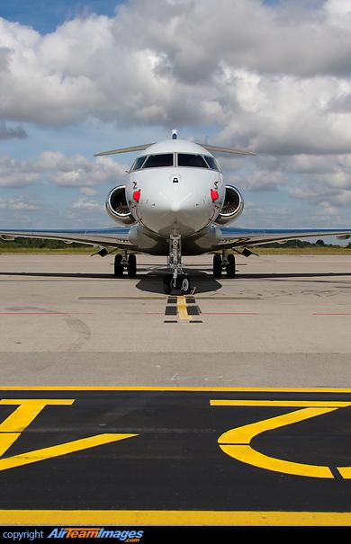 Jet Privato Niki Lauda : Model niki lauda private jet pustcha