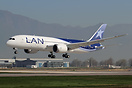 Arrival of LAN's first Boeing 787-8 Dreamliner to Santiago.