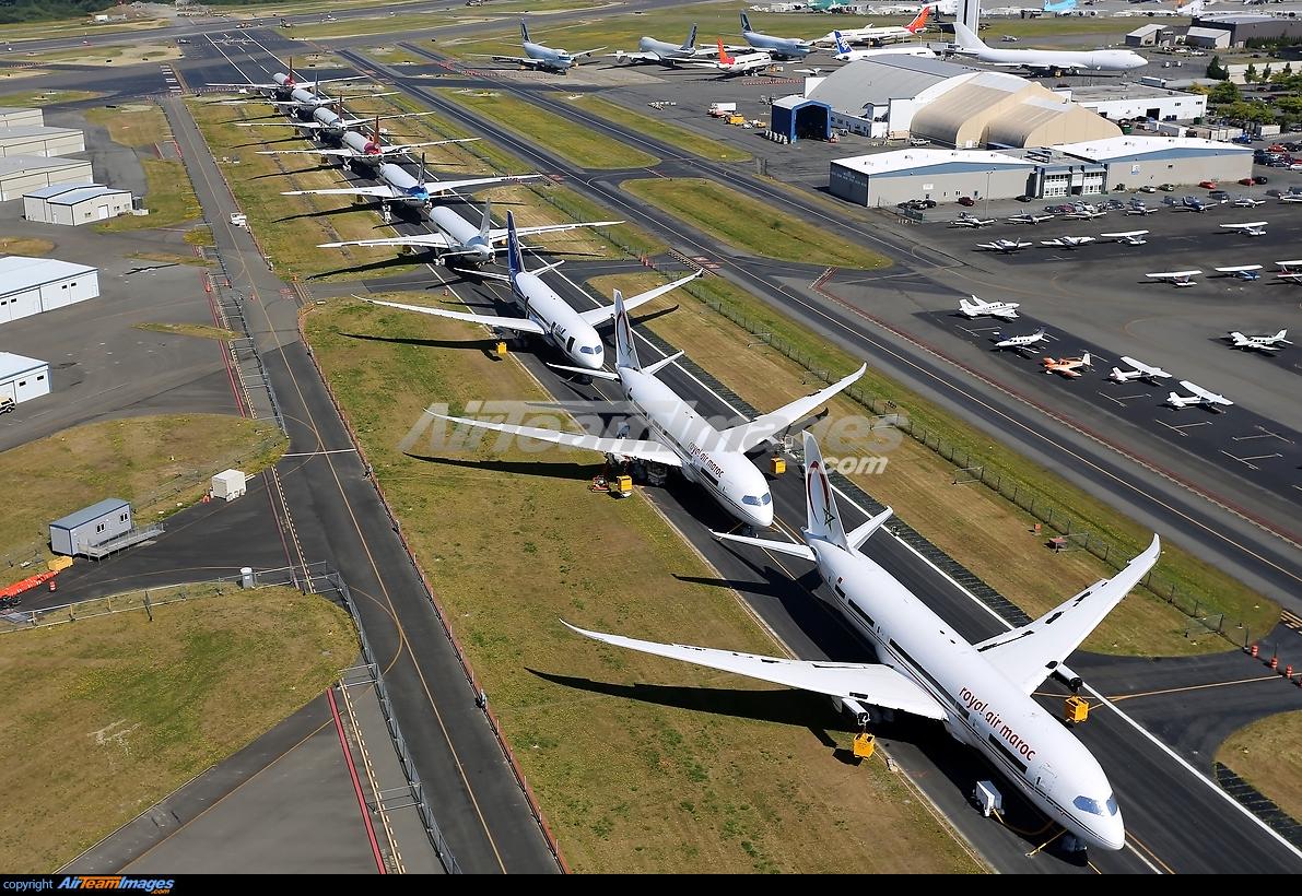 Boeing 787-8 Dreamliner Boeing 787-8 Dreamliner