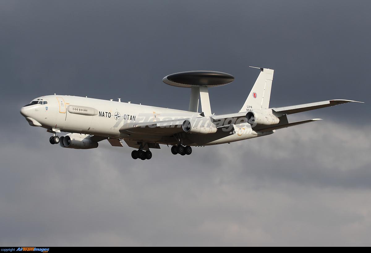 Boeing 707 E-3B Sentry