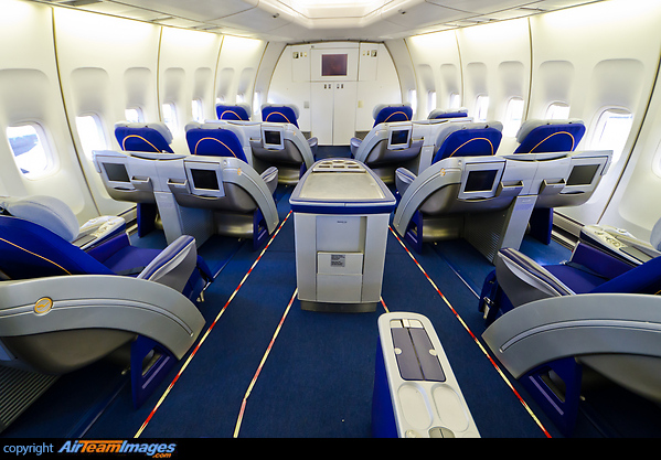 Boeing 747-430 (D-ABVO) Aircraft Pictures & Photos - AirTeamImages.com
