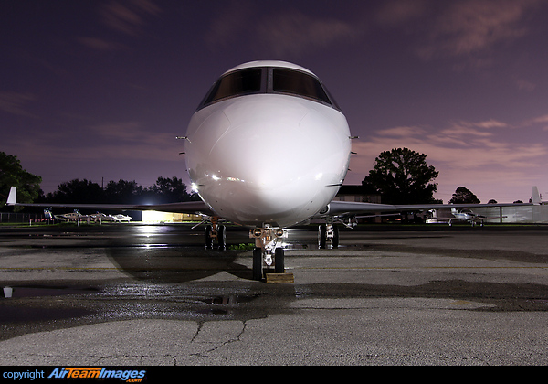 Gulfstream G200 N739QS Aircraft Pictures Photos