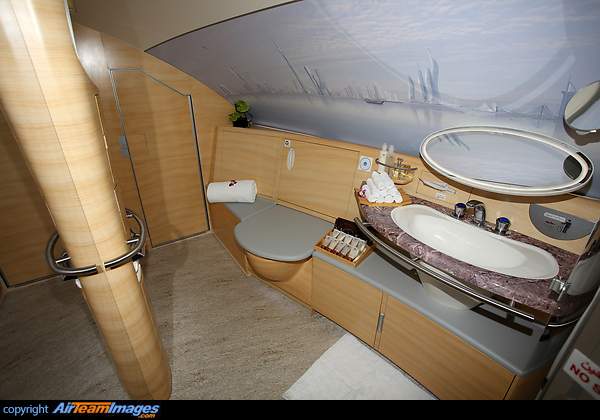 Airbus A380-861 (A6-EEM) Aircraft Pictures & Photos ...