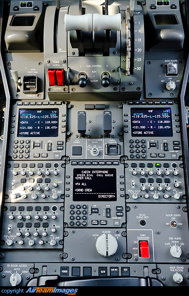 Boeing 787-8 Dreamliner (A7-BCF) Aircraft Pictures ...