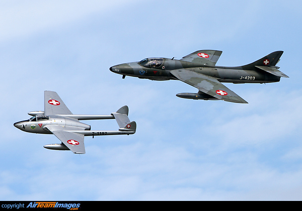 Vampire & Hawker Hunter