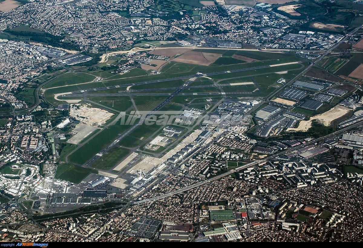 Paris le bourget airport large preview for Bourget paris