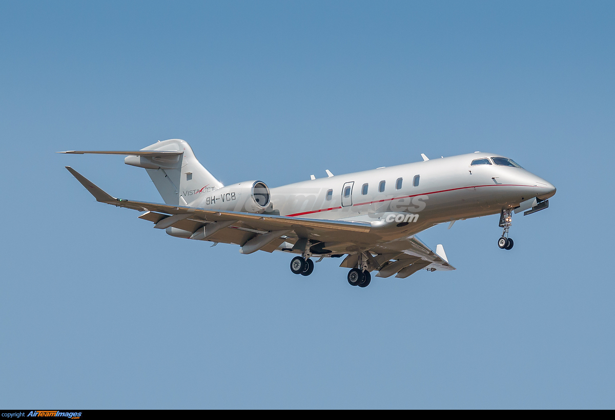 2015 Challenger >> Bombardier Challenger 300 - Large Preview - AirTeamImages.com