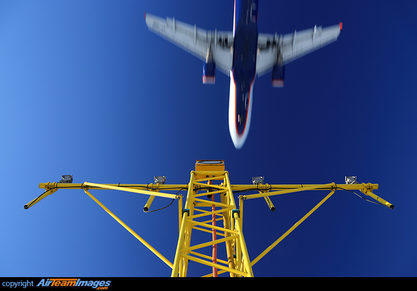 Airport Approach Lights - AirTeamImages com