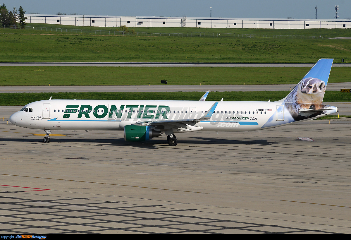 Does Frontier Fly Large Dogs