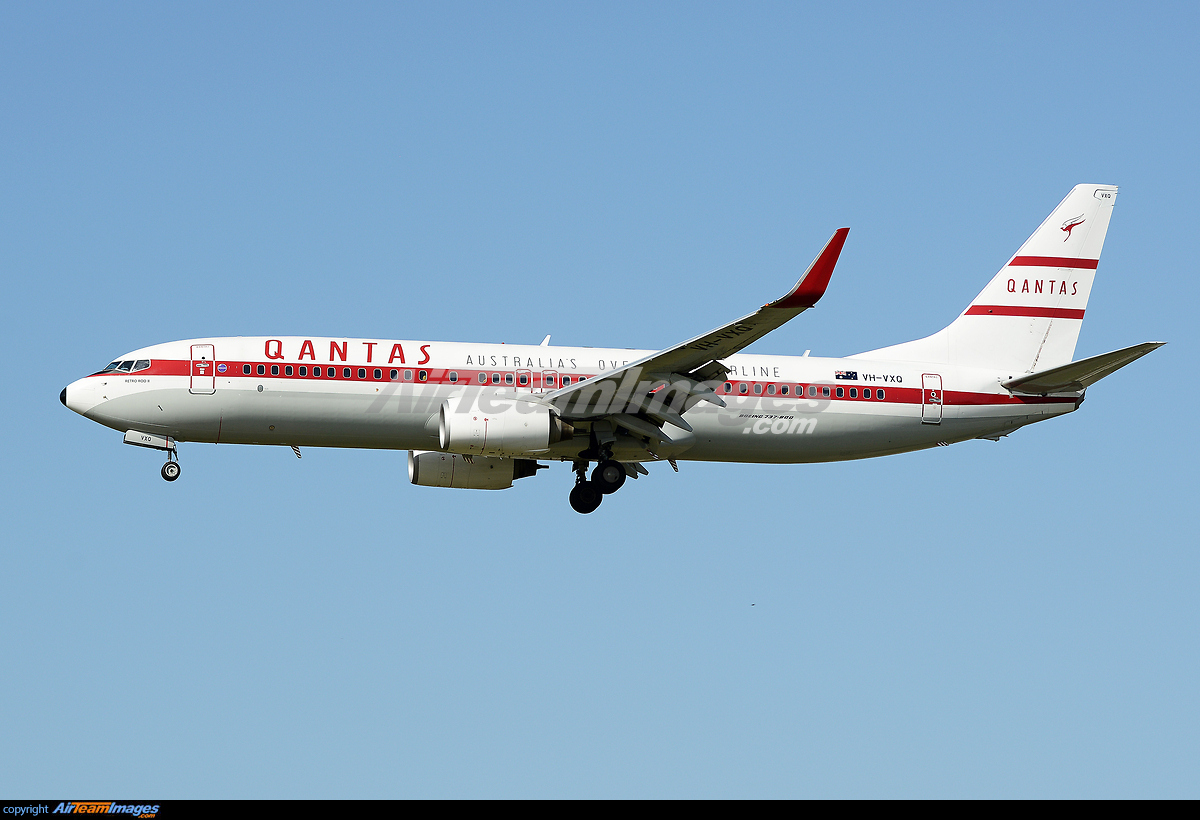 Boeing 737-838 - Large Preview - AirTeamImages.com