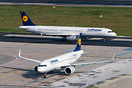 Comparison between A320neo and A321-100 (ceo) of Lufthansa.