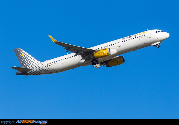Airbus A321-213