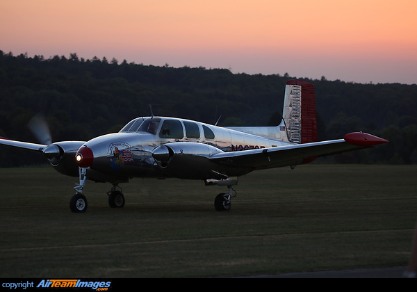 Beechcraft 50 Twin Bonanza