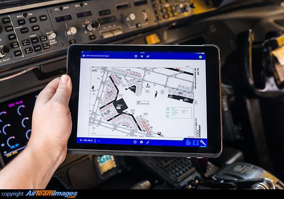 Electronic Flight Bag D Alck Aircraft Pictures Photos