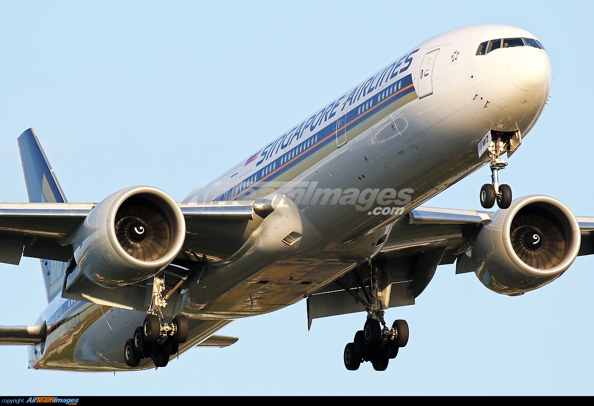 Boeing 777-312/ER - Large Preview - AirTeamImages.com