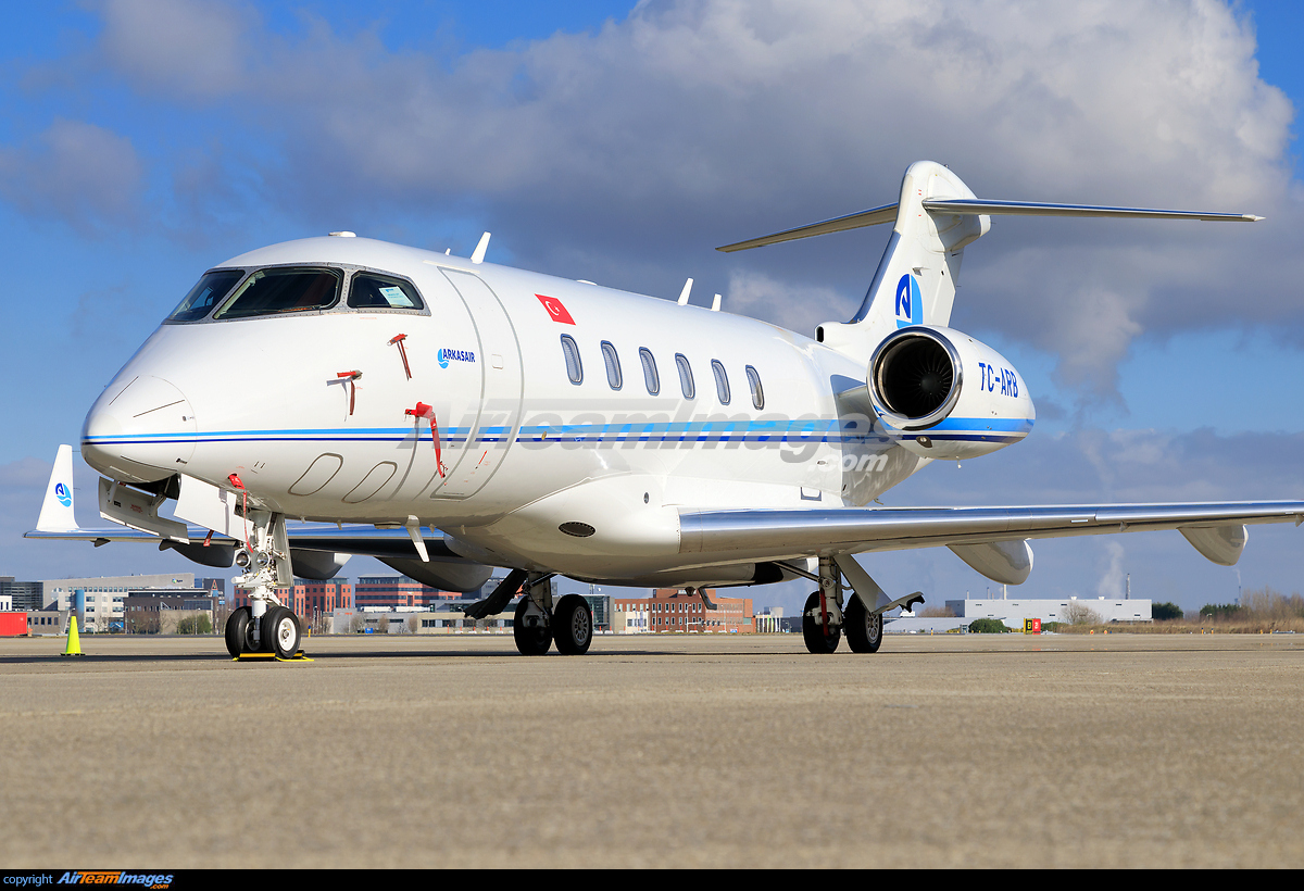 Challenger 2017 >> Bombardier Challenger 300 - Large Preview - AirTeamImages.com