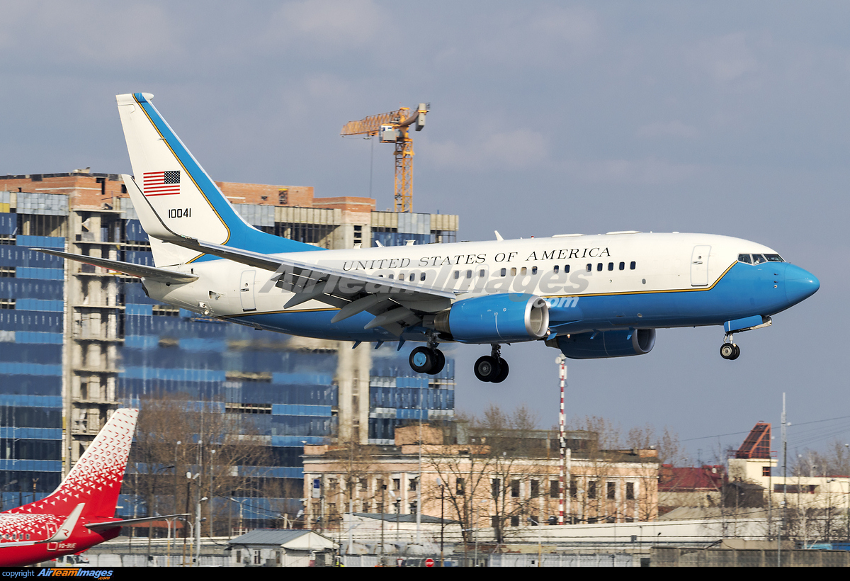 Boeing C-40B - Large Preview - AirTeamImages.com