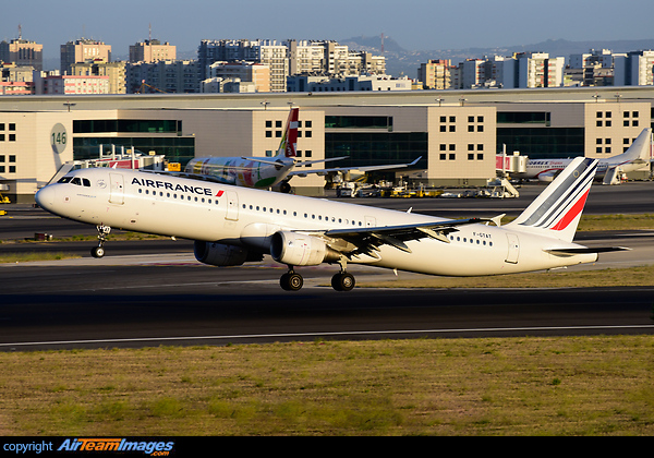 Airbus A321-212