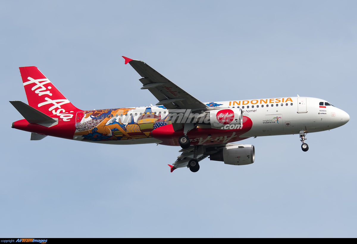 Airbus A320-216 - Large Preview - AirTeamImages.com