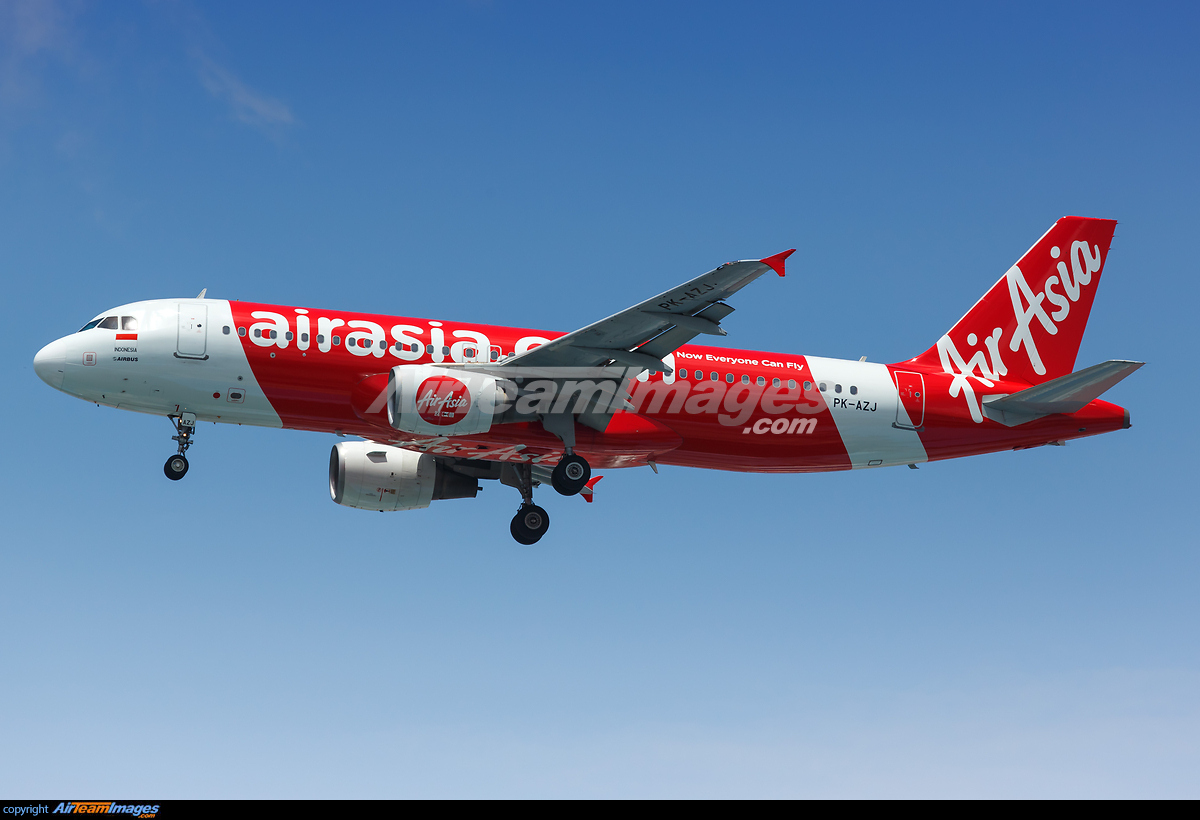 Airbus A320-214 - Large Preview - AirTeamImages.com