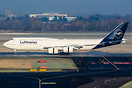 a Jumbo in new Lufthansa colours on a promotional tour around Germany ...