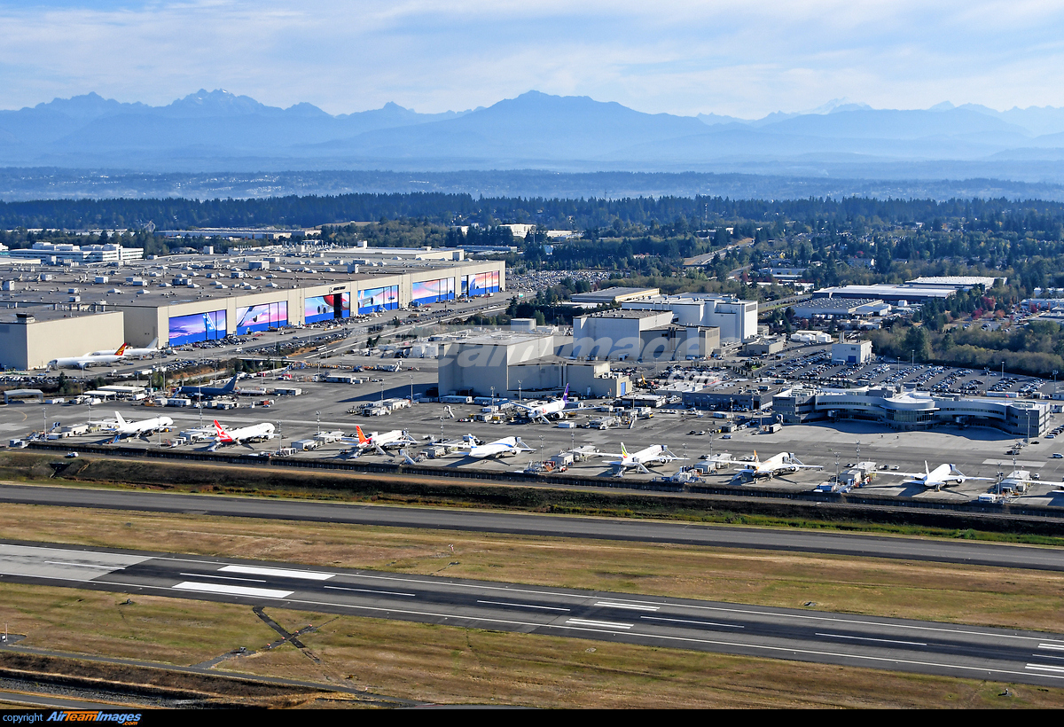 Boeing Everett Factory - Large Preview - AirTeamImages com