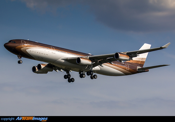 Airbus A340-343