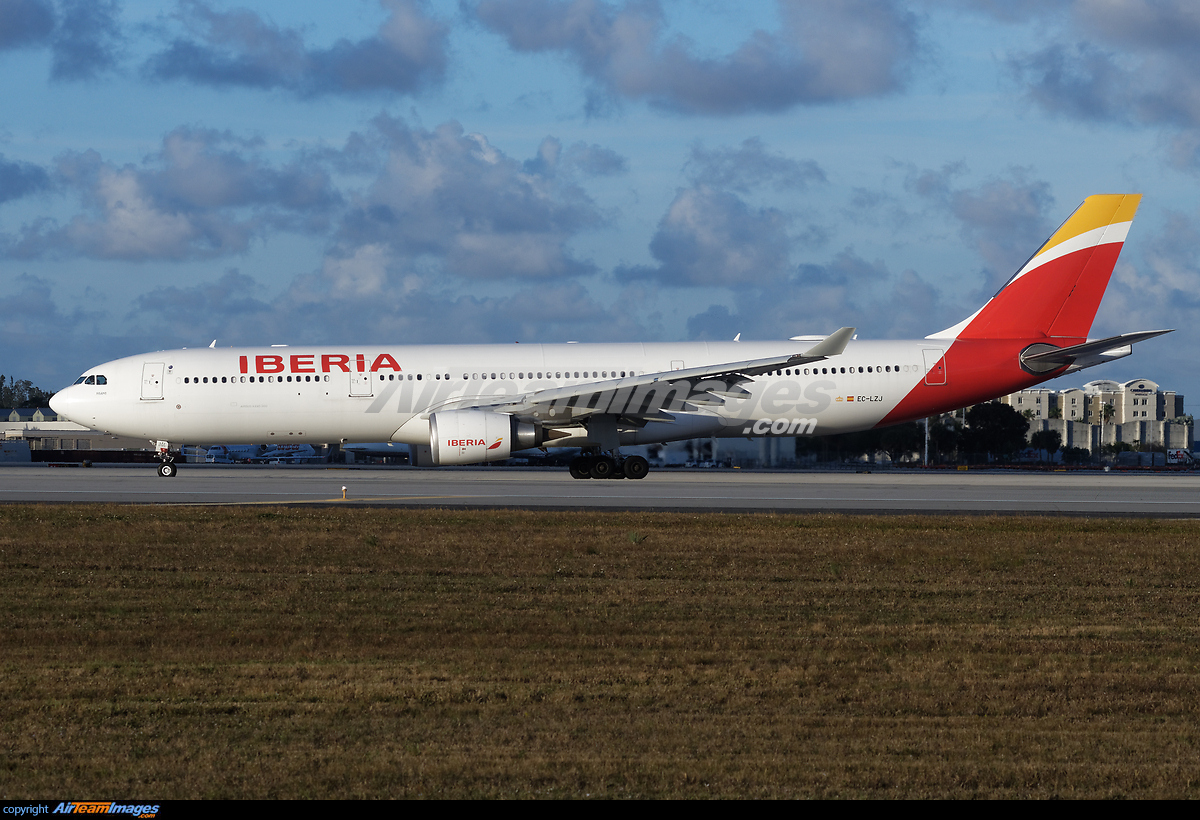 airbus a330 302 large preview airteamimages com airteamimages com