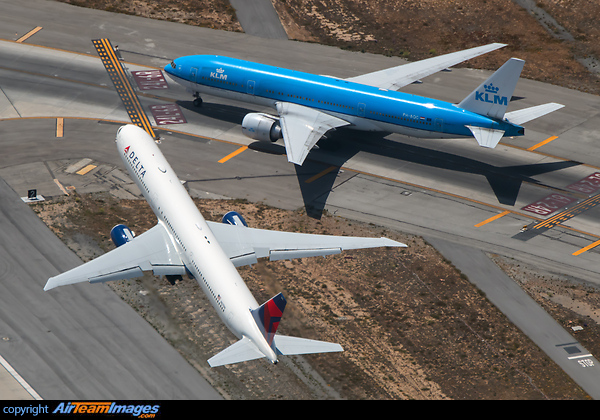 Boeing 767-432/ER (N837MH) Aircraft Pictures & Photos