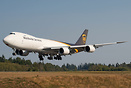 UPS latest 747-8 freighter heavy landing on runway 34L