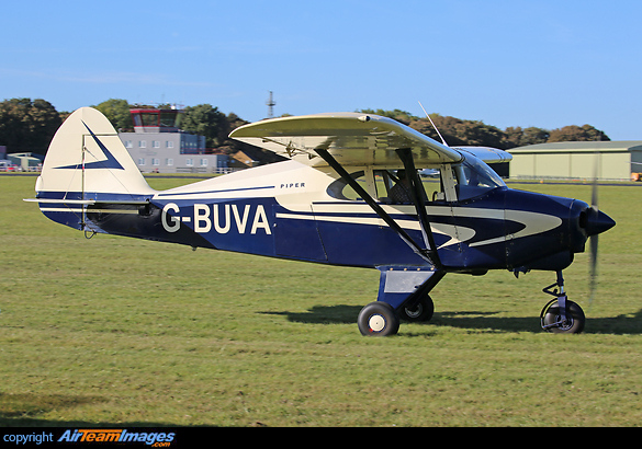 Piper PA-22-135 Tri-Pacer (G-BUVA) Aircraft Pictures