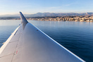 Final approach over the water for RW04L in Nice.