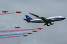 Boeing 747-400 & Red Arrows
