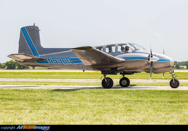 Beechcraft D50C Twin Bonanza