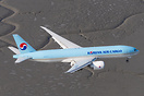 Air to Air with a Korean Air Cargo as it comes in for a landing in Anc...
