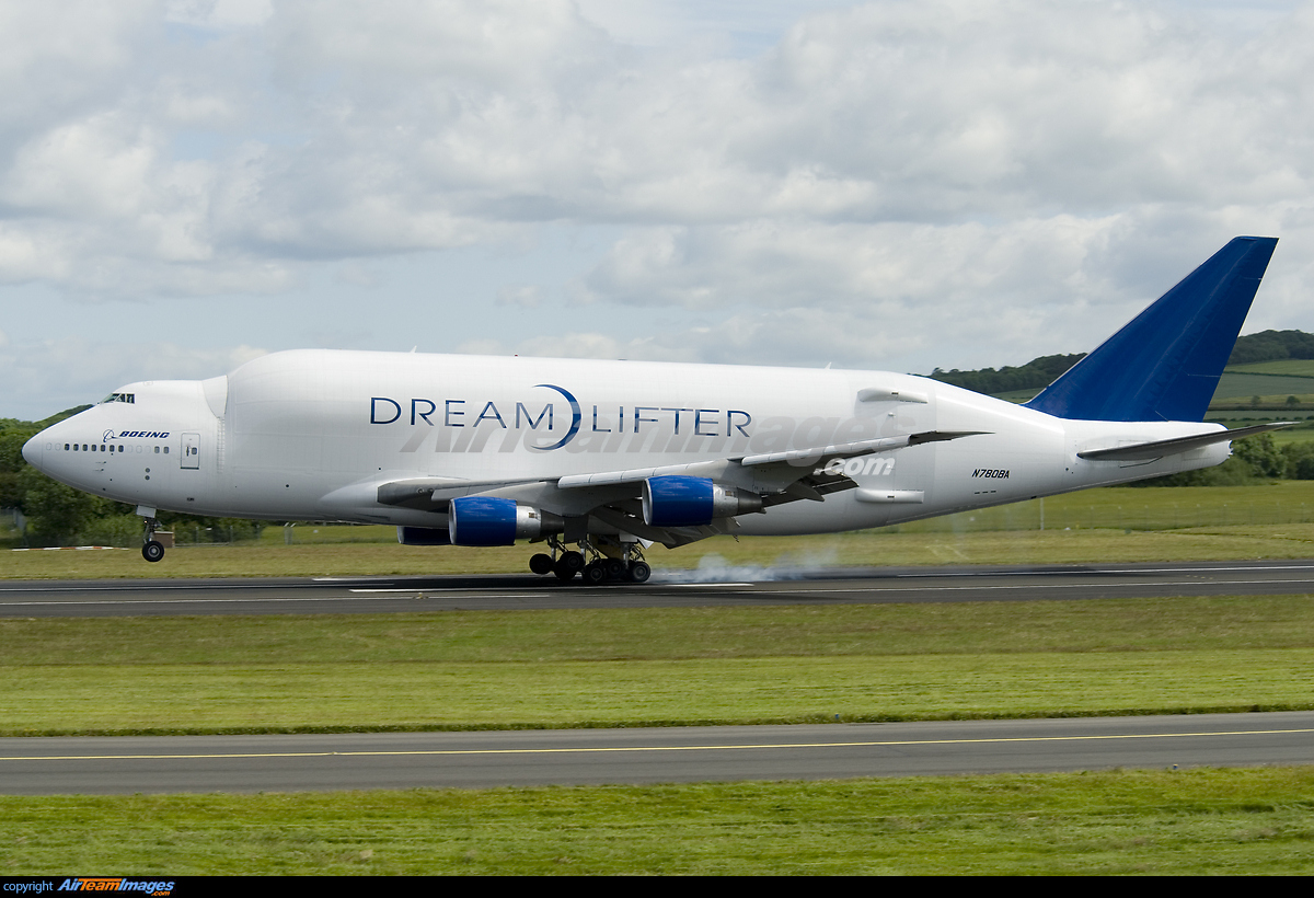 Boeing 747 lcf dreamlifter pictures for 747 evergreen terrace